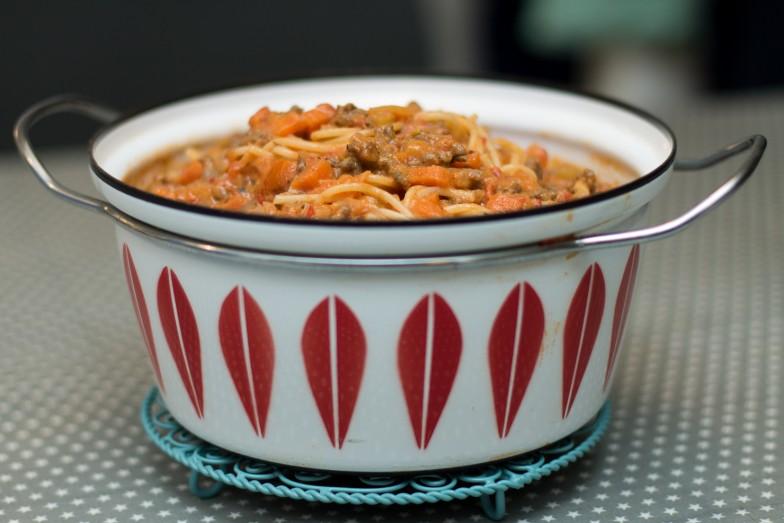 Spaghetti i mild kjøttsaus