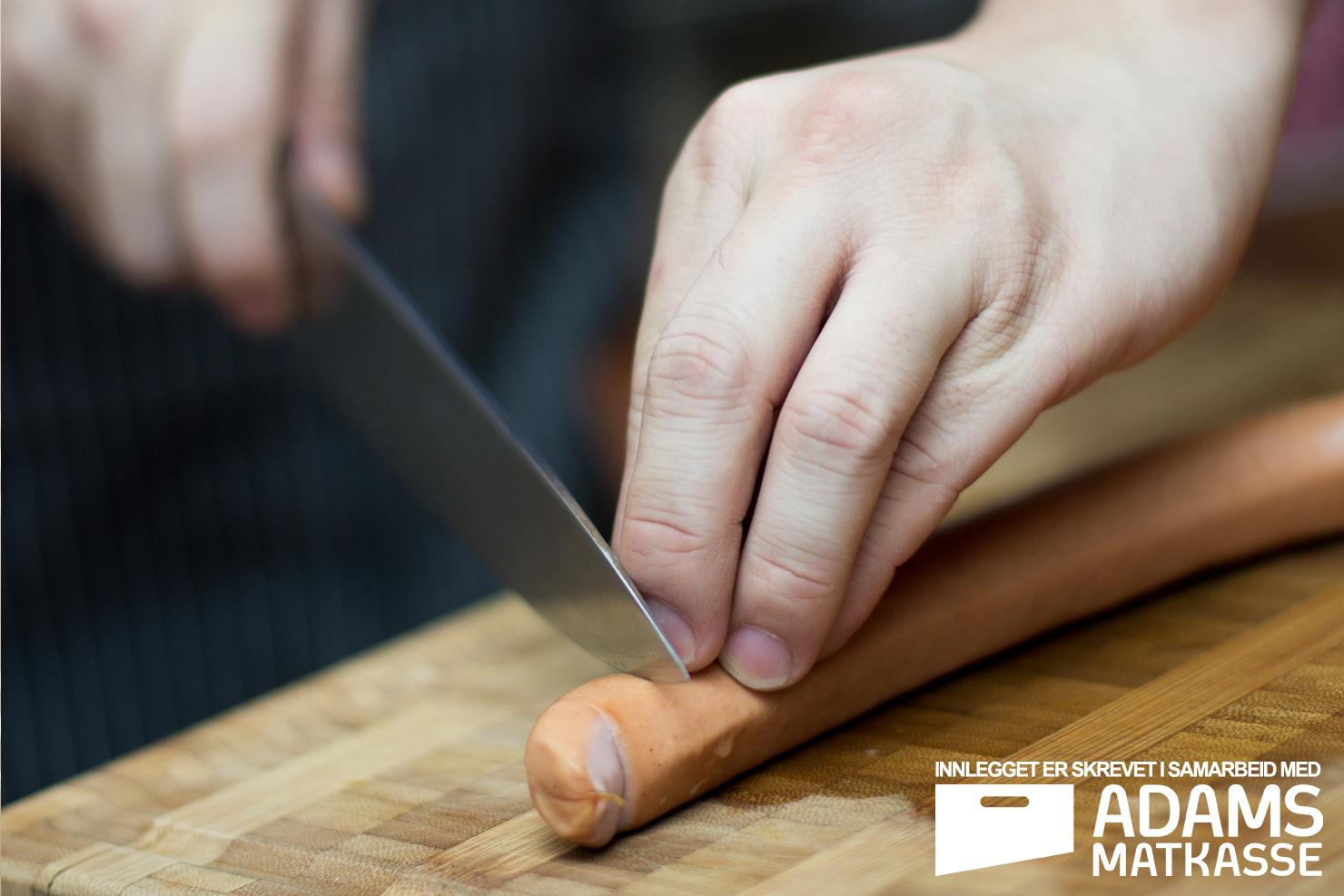 Kutteteknikk | Frankfurter med barbecuesaus, bulgursalat og salat | Adams Matkasse