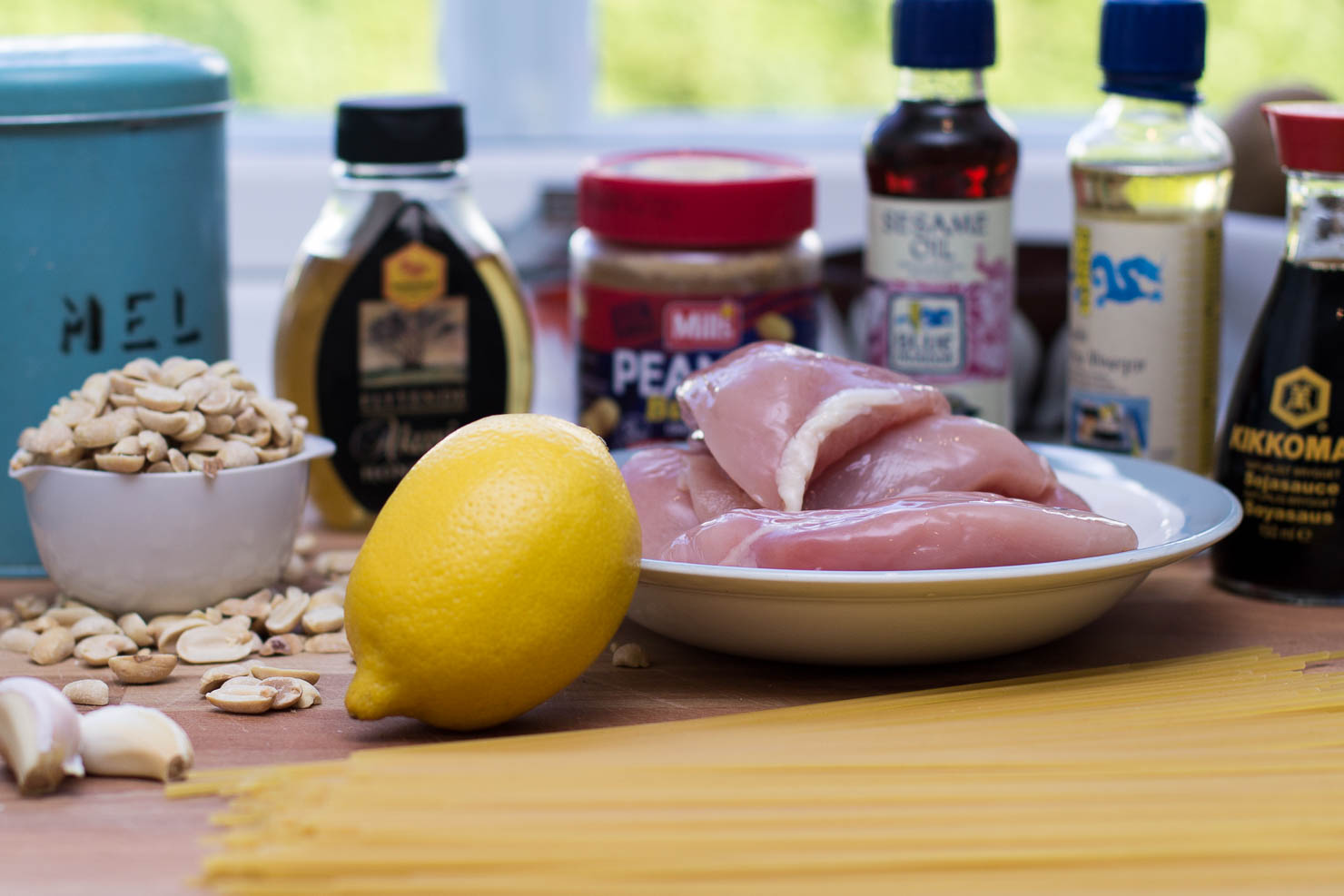 Ingredienser | Spaghetti med peanøttsaus og sitronkylling