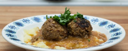 Kjøttboller med potetmos og groovy saus