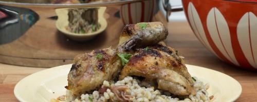 Sitrus- og honningmarinert kylling med byggrynsalat