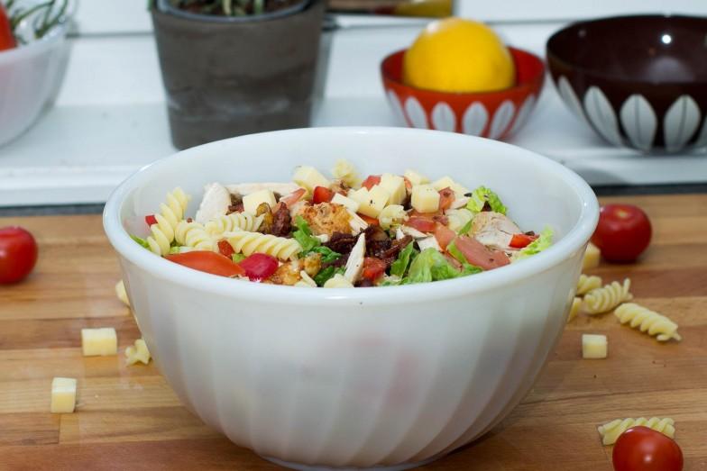 Featured | Kokebloggens kylling- og pastasalat