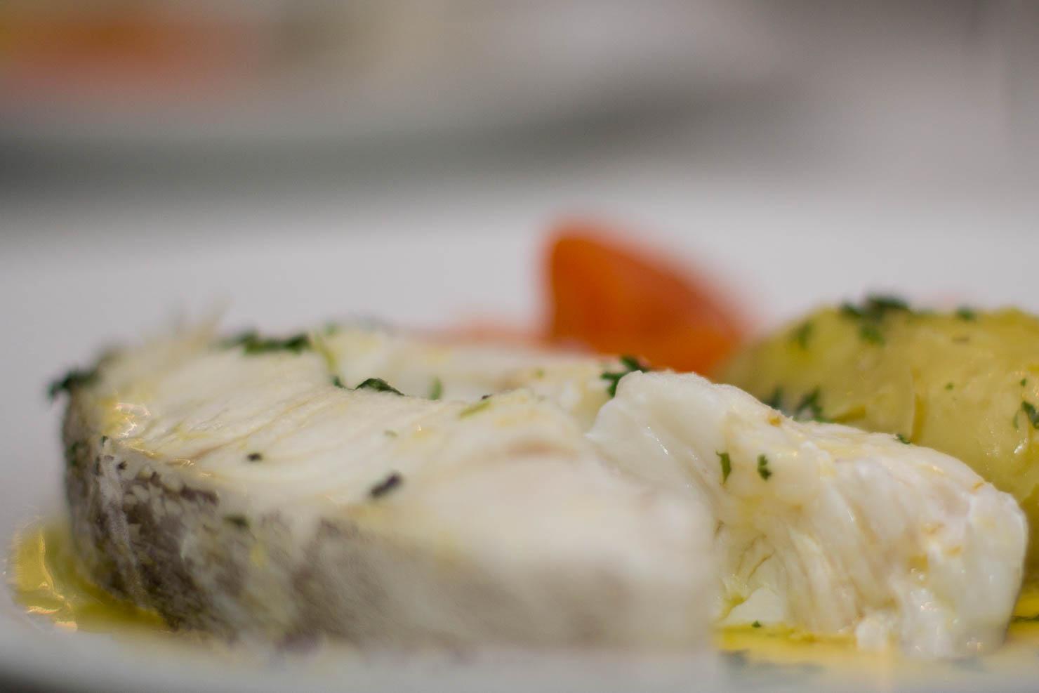Closeup | Torsk med gulrøtter og persillesmør