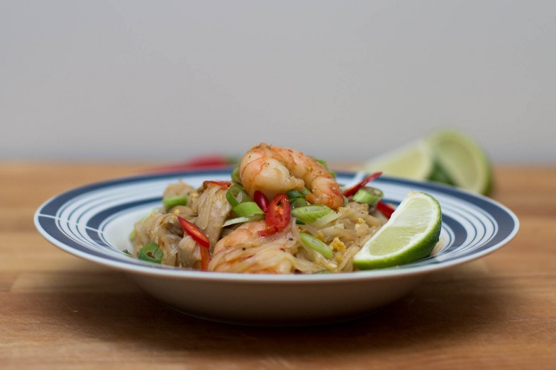 Featured | Sticky pad thai kylling