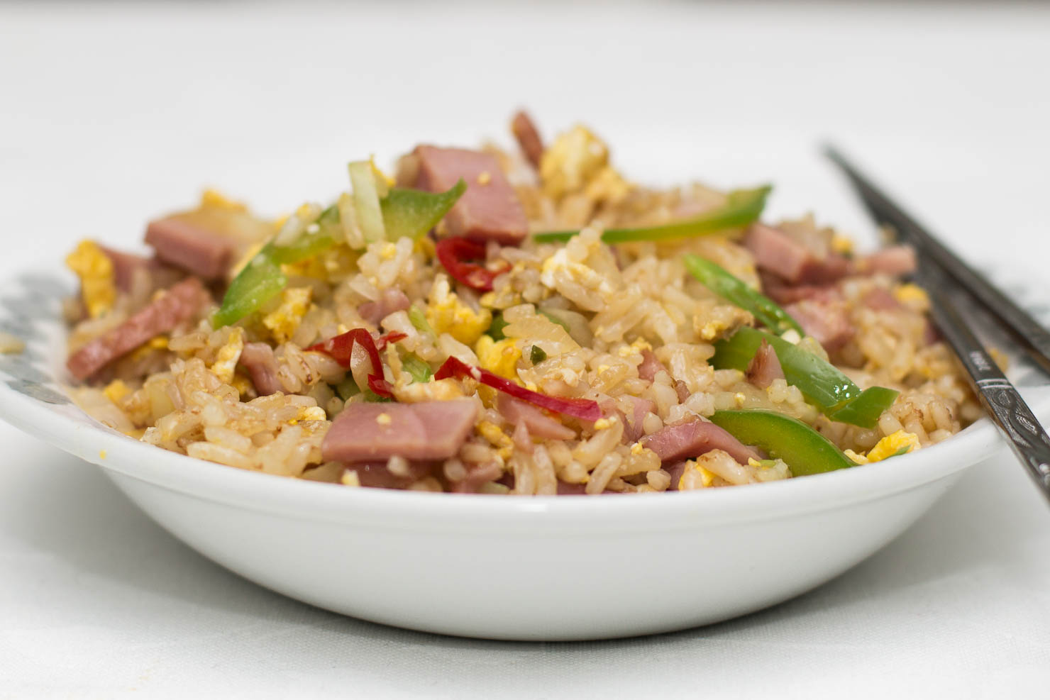 Stekt ris med bayonneskinke