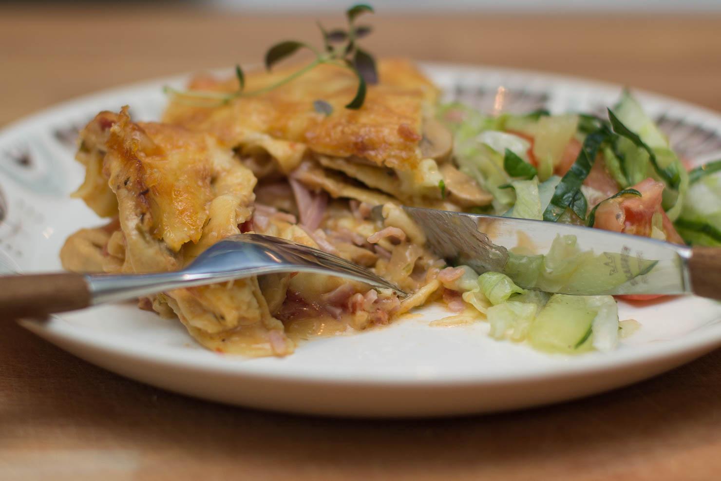 Closeup | Lasagne med sopp og skinke