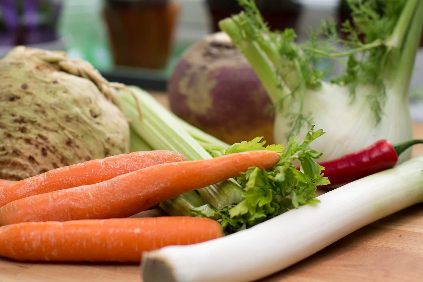 Ingredienser | Gul ertesuppe kokt på svineknoke