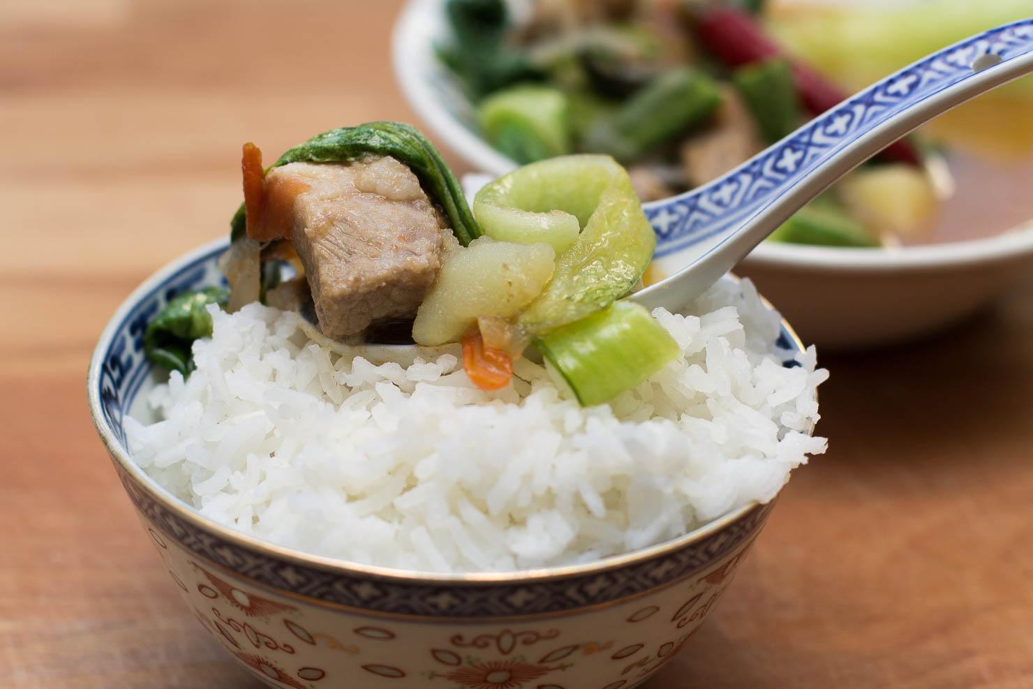 Nærbilde | Tamarindsuppe med okra og svin