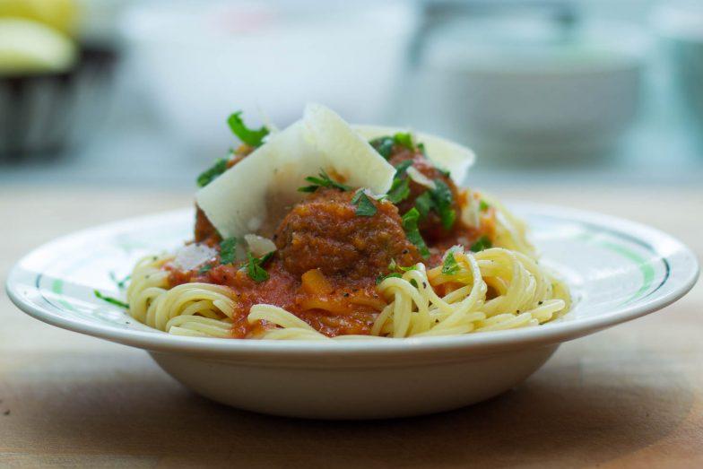 Spaghetti med kjøttboller