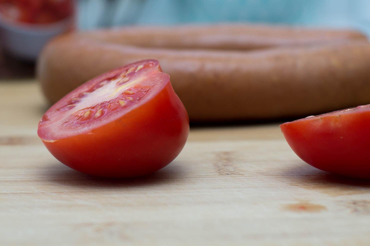 Ingredienser | Polenta med vossakorv og tomatsaus