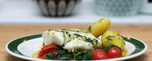 Stekt torsk med spinat og tomat