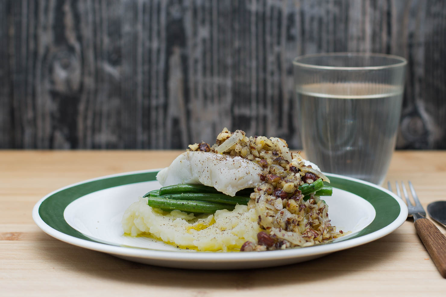 Torsk med aspargesbønner og hasselnøttsmør