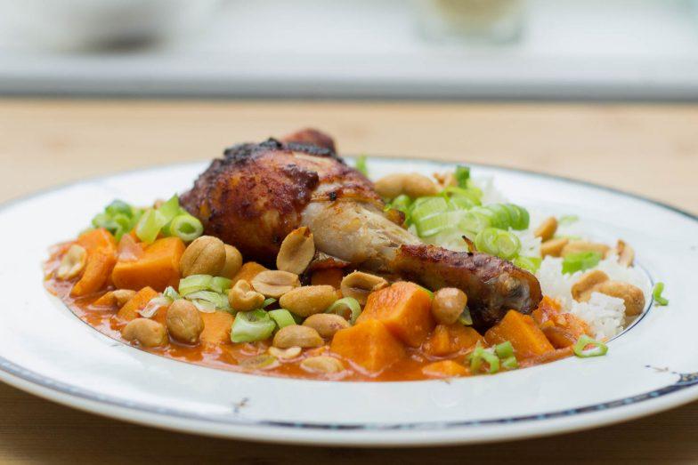 Featured | Søtpotetkarri med grillet kyllinglår